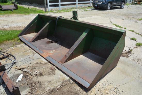 Gnuse Scoop 12' 3-pt. material bucket w/ hyd. tilt