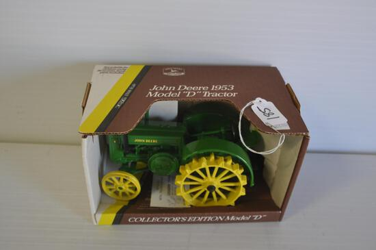 Ertl 1/16 Scale John Deere 1953 Model D Toy Tractor, Collector Edition