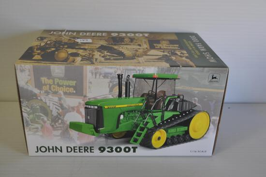 Ertl 1/16 Scale John Deere 9300T Toy Tractor, 2000 Farm Show Edition