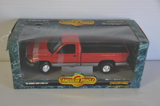 Ertl American Muscle 1/18 Scale 1995 Dodge Ram 2500 SLT Pickup, Collectors Edition