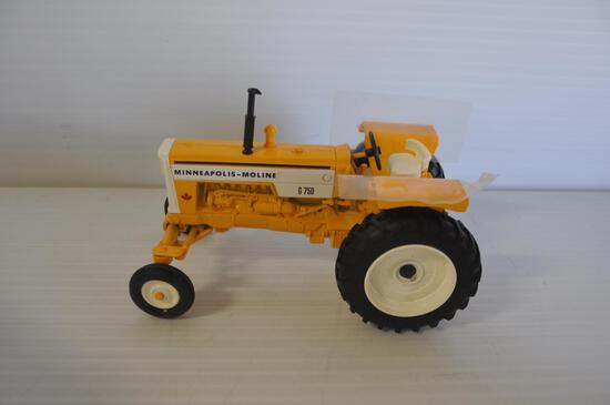 Ertl 1/16 Scale MM G750 Toy Tractor, Special Edition, 1998 Canadian Farm Equipment Show