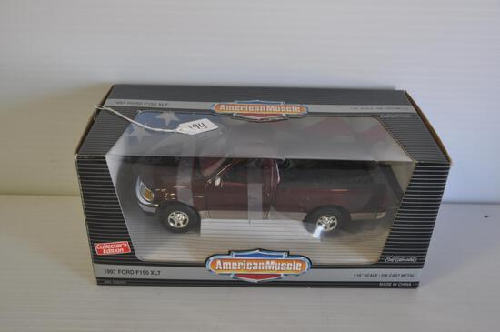 Ertl American Muscle 1/18 Scale 1997 Ford F150 XLT Pickup, Collectors Edition