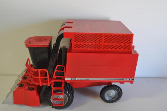 Scale Models 1/16 Scale Case-IH 2555 Cotton Express Cotton Picker, 1997 Case Business Dealer Meeting