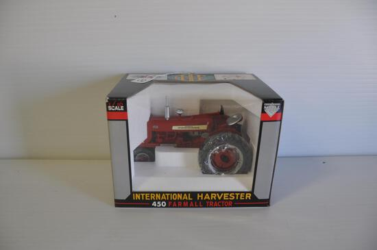 SpecCast 1/16 Scale Farmall 450 Toy Tractor, 13th Annual 2002 Red Power Roundup