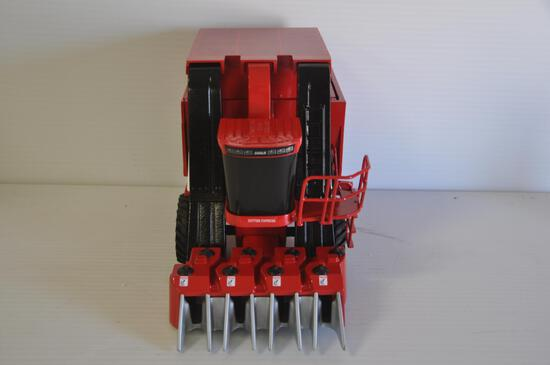 Scale Models 1/16 Scale Case-IH 255 Cotton Express Cotton Picker, 1998 Belt Wide Cotton Conference