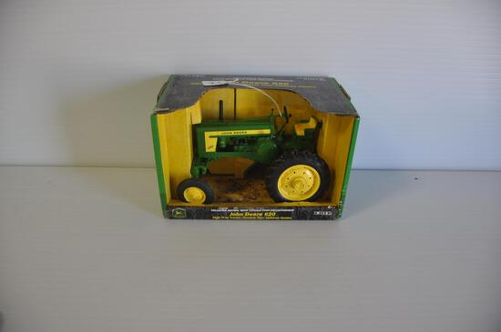Ertl 1/16 Scale John Deere 620 High Crop Tractor, Collector Edition