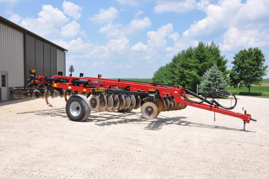2014 Case-IH 875 7-shank 14' disc-ripper