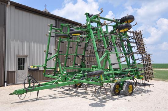 2000 JD 980 44.5' field cultivator