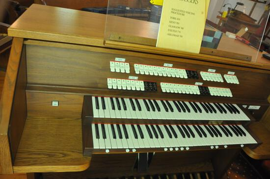 Rodgers Church Organ with speaker