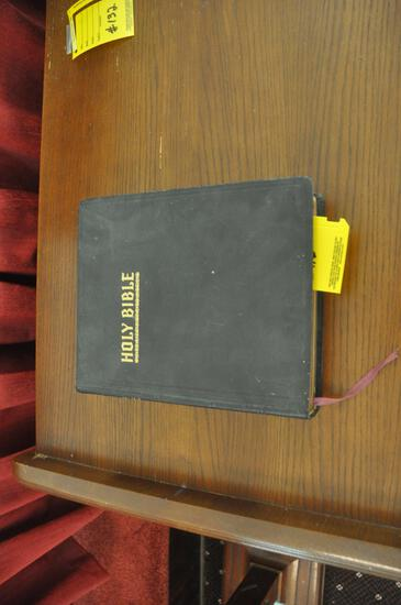 New Standard Reference Holy Bible