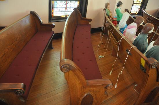 9' Curved Oak Church Pew
