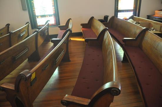 15' Curved Oak Church Pew