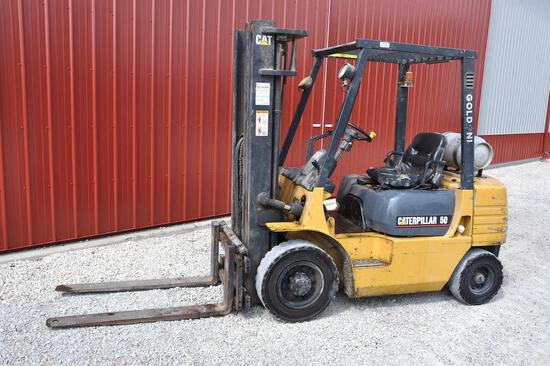Cat GP25 forklift