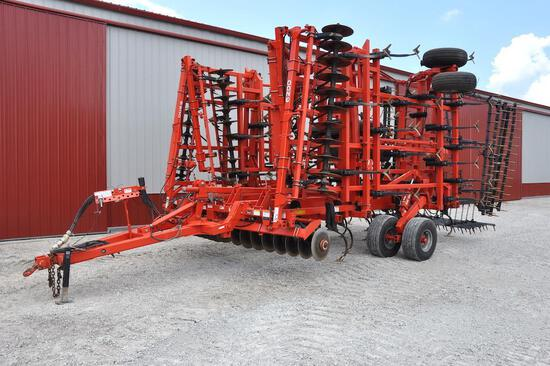 2013 Kuhn Krause Landsman 6200 45' soil finisher