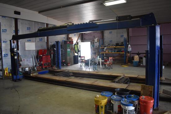 25,000 lb. 22' automotive lift
