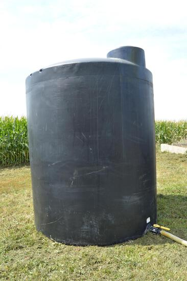 3,000 gal. black poly flat bottom storage tank