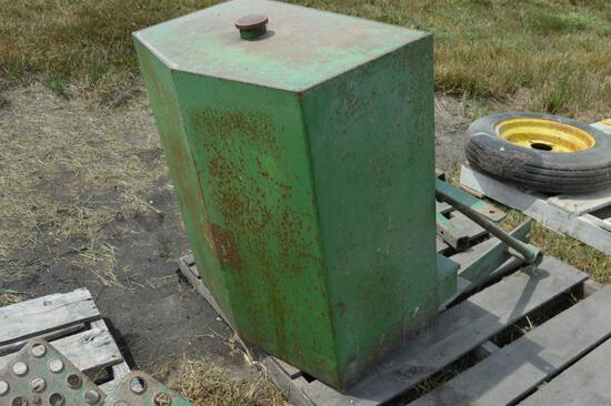 Tractor front fuel tank