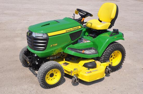 2018 John Deere X738 4wd lawn mower