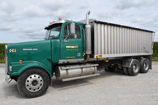 2004 Western Star tandem grain truck