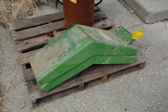 Hiniker steel front tractor fenders