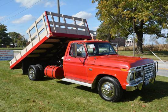 1976 Ford F-350 dually dump truck