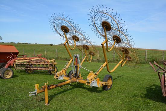Vermeer 8 wheel hay rake