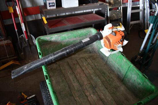 Stihl BG86C gas powered leaf blower