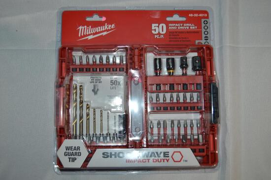 Milwaukee 50-piece Impact drill & drive set (1689)