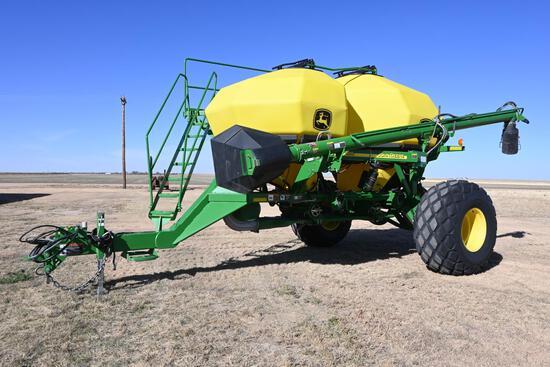 2009 John Deere 1910 air commodity cart