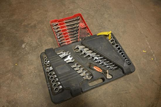 Set of box end wrenches & set of ratchet wrenches