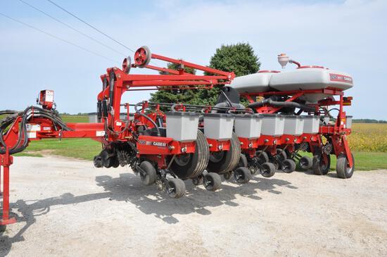 "2011 Case-IH 1250 16 row 30"" planter"