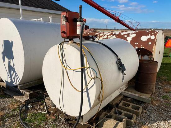 500 gal. fuel tank w/pump