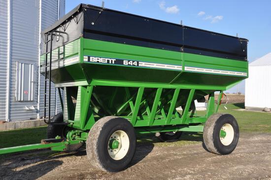 2001 Brent 644 gravity wagon