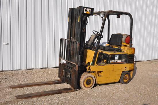 Cat T50E forklift