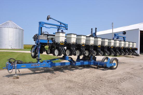 2012 Kinze 3600 12/24 planter