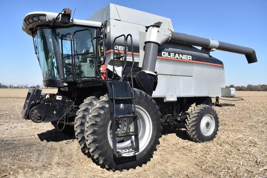 2005 Gleaner R65 4wd combine