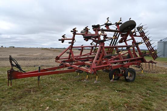 Case IH 4600 26' field cultivator