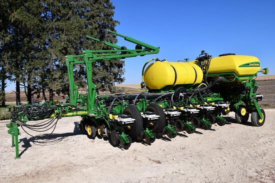 "2012 John Deere 1770NT CCS 16 row 30"" planter"