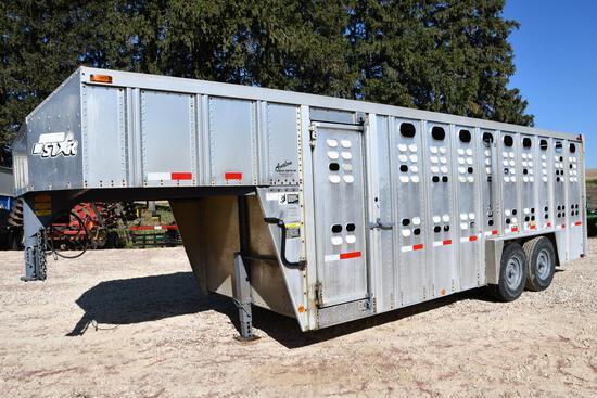 1993 Wilson 20' gooseneck aluminum livestock trailer