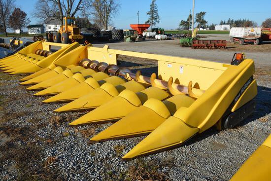 "2005 New Holland 98C 8 row 30"" corn head"