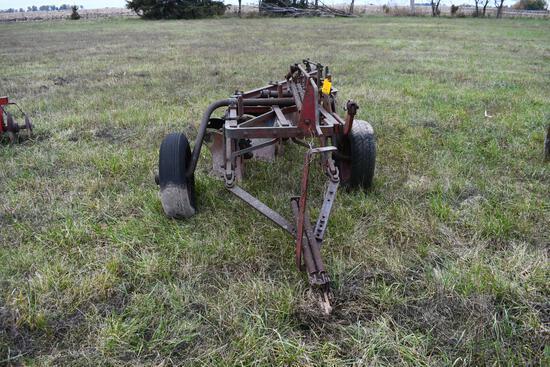 International 4 bottom pull type plow
