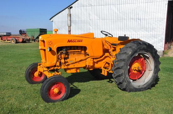 Minneapolis Moline 5-Star tractor