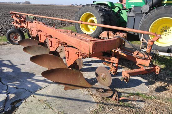 Case 4-bottom plow