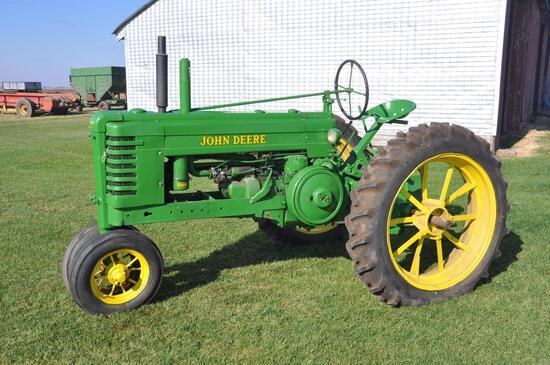 1943 John Deere B tractor