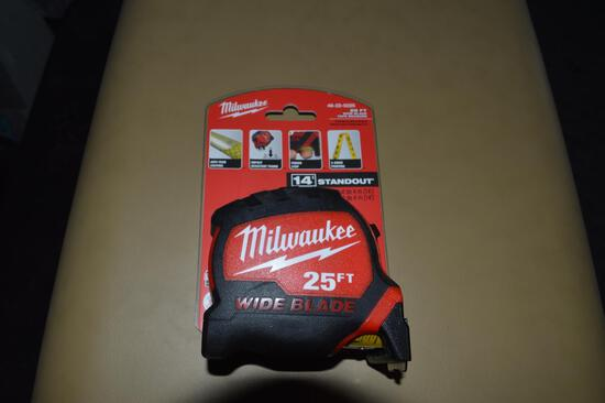 Milwaukee 25ft Tape Measure