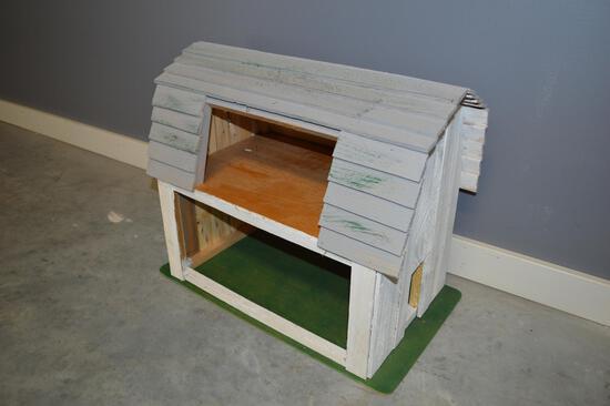Children's Gray & White Wooden Barn