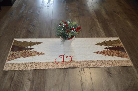 42 in Homemade Christmas Table Runner & Christmas Decoration