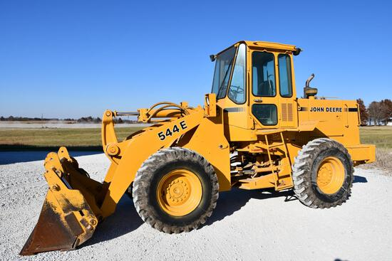 1983 John Deere 544E wheel loader