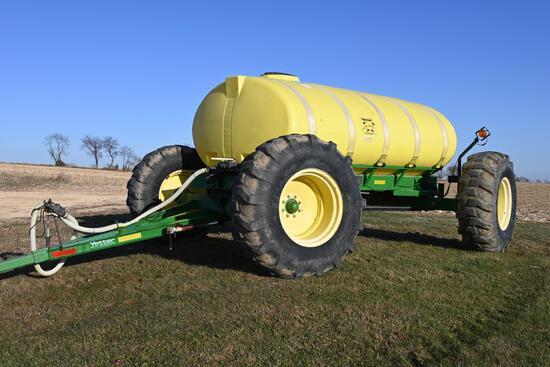 Yetter 1600 all steer liquid fertilizer tank