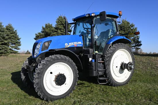 2013 New Holland T7.235 MFWD tractor